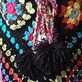Coco's rainbow poncho ! chaleur et couleur pour défier la fin de l'hiver ... sur le modèle de drops en ligne .
