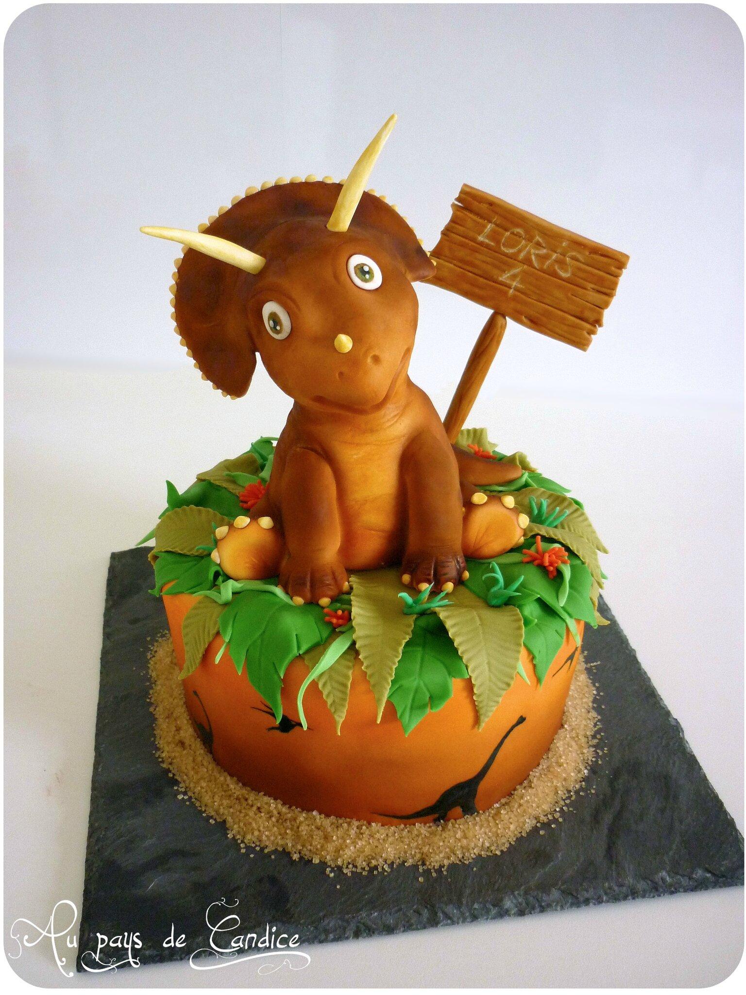 Gâteau Dinosaure et goûter assorti