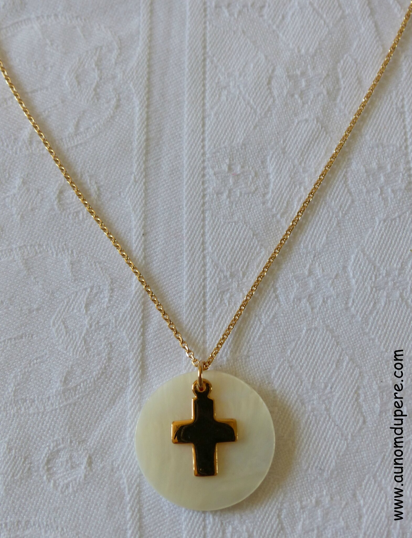 Collier de Communion (plaqué or) - 42 €
