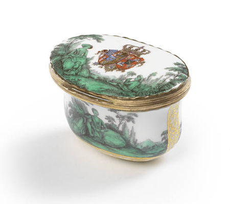 A_Meissen_gold_mounted_oval_snuff_box_from_the_toilet_service_for_Queen_Maria_Amalia_Christina_of_Naples_and_Sicily__Princess_of_Saxony__circa_1745_471