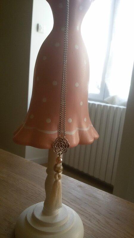 collier pompon 2