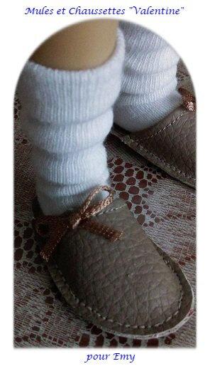 les chaussettes hautes et les mules