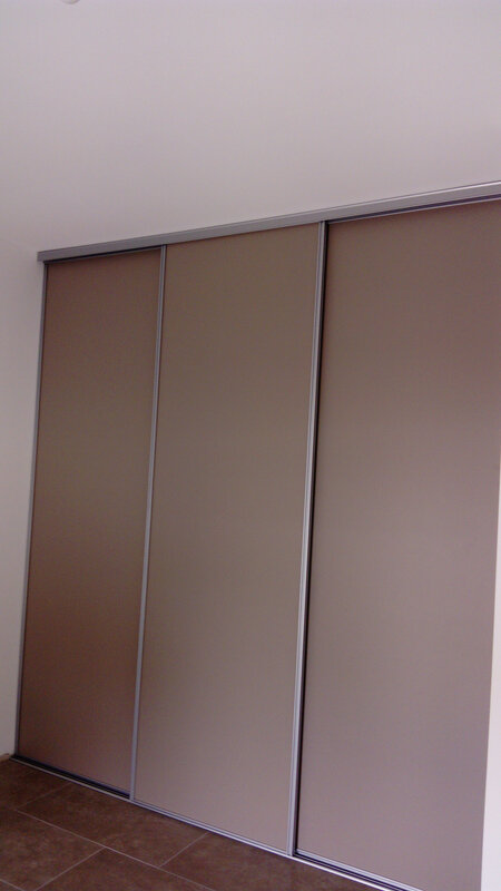PLACARD TAUPE