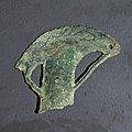 Hache pédiforme ajourée, vietnam, culture de đông sơn, 3°-1° siècle bce
