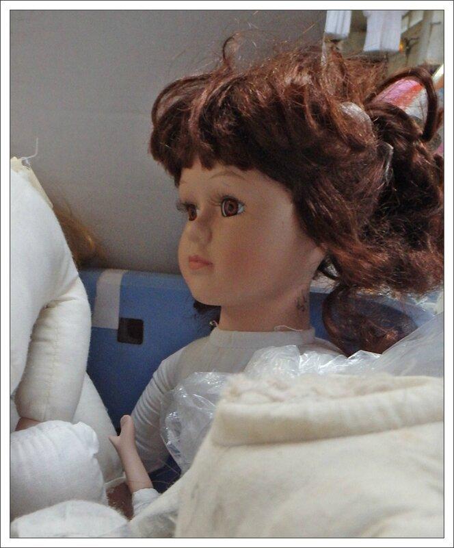 Emmaus poupee yeux marron 210214