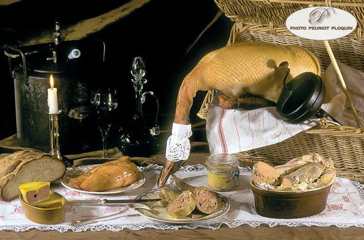 Foie_gras_truffe_au_torchon_cou_farci
