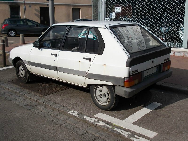 CitroenVisa11Ear1