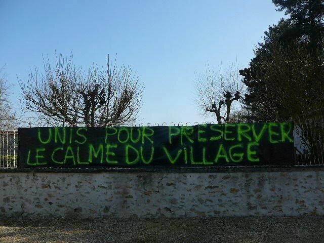 BOMBONAIS_UNIS_POUR_PRESERVER_LE_CALME_DU_VILLAGE