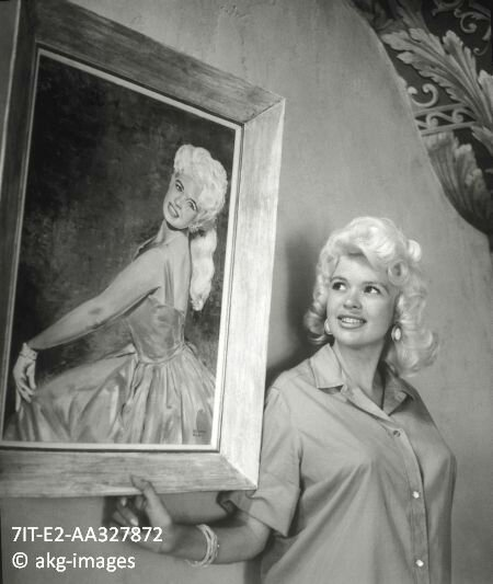 jayne-1958-pink_palace-1