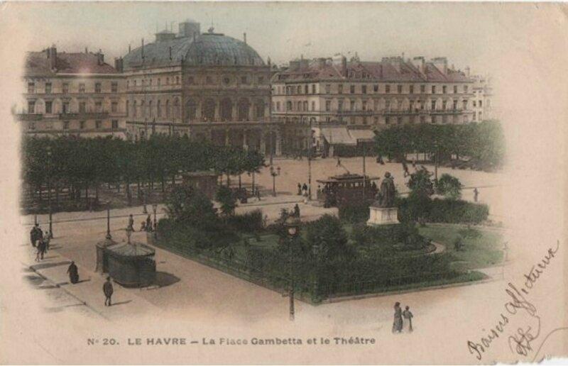 La place Gambetta et le Théâtre