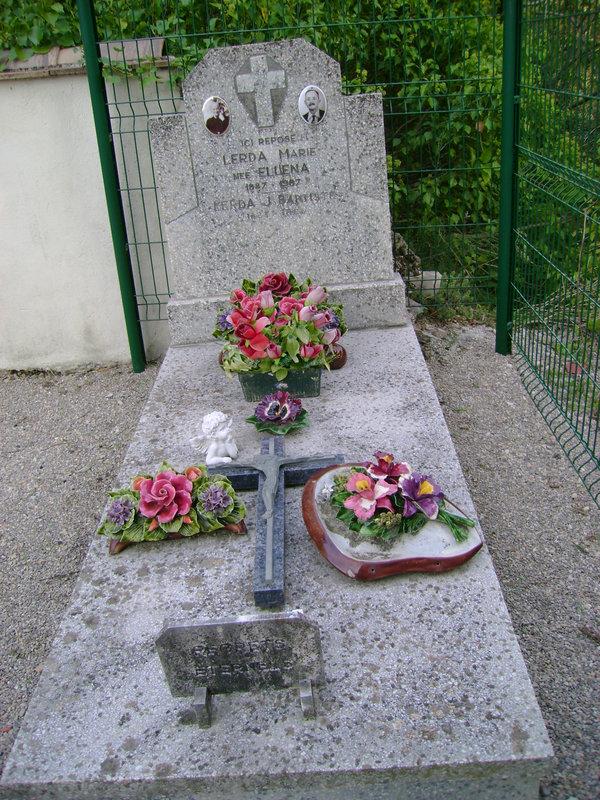 57 - Tombe de la famille Lerda