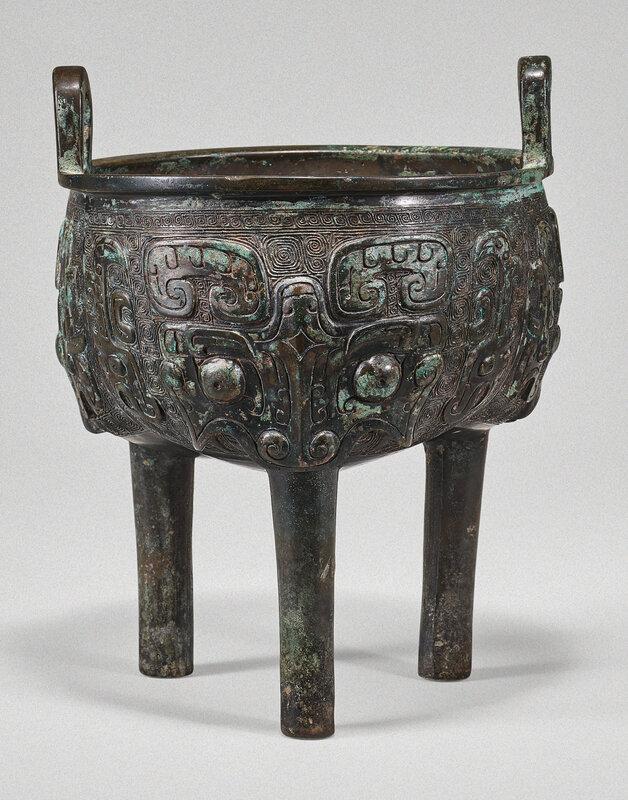 An archaic bronze ritual food vessel (liding), Late Shang-Western Zhou dynasty