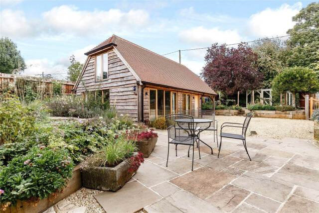 thatched-cottage-goals-annexe-english-cottage