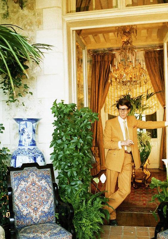 yves-saint-laurent-wearing-a-brown-suit-horst-p-horst