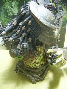 Predator_Defeated_mini_bust3