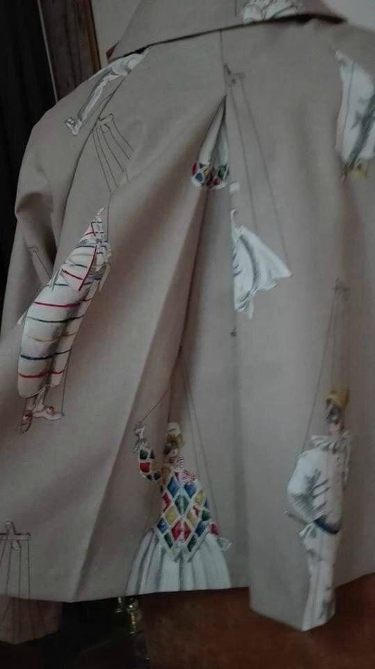 Veste VICTORINE en toile de coton écru imprimé Arlequin - doublure de satin écru (4)