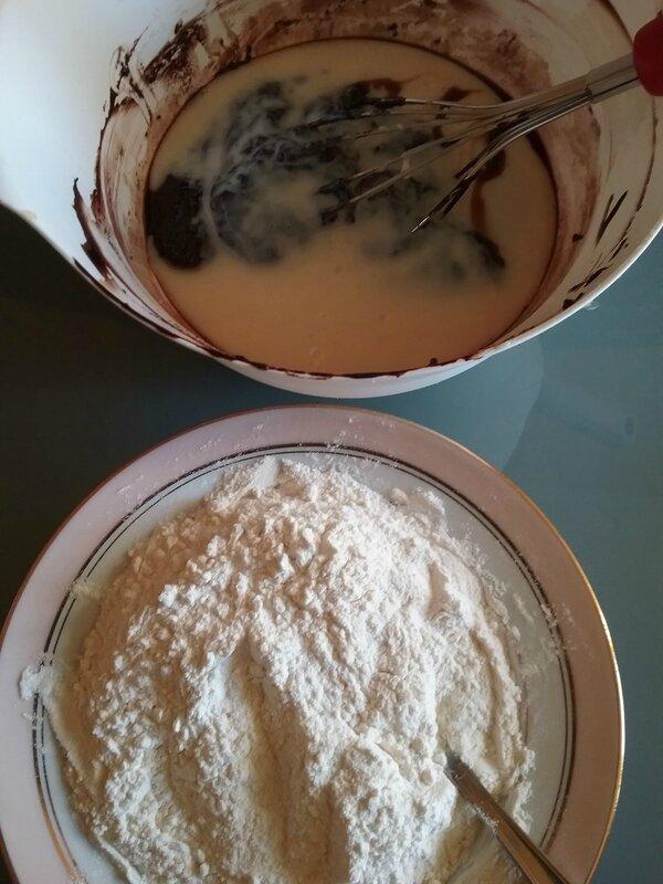 Petits galets aux deux chocolat et au lait concentré sucré 009