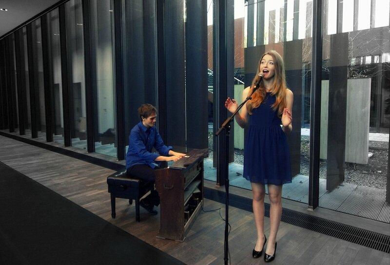 chanteuse pianiste organiste groupe musiciens professionnels nort deux-sèvres 79 gospel mariage cérémonie messe animation chant musique concert
