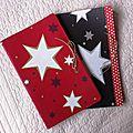 cahier étoiles rouges ou noires