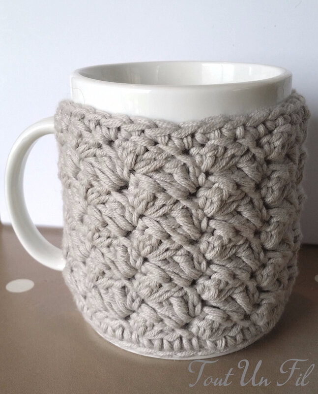 Cosy Mug Gris Point Crochet 01