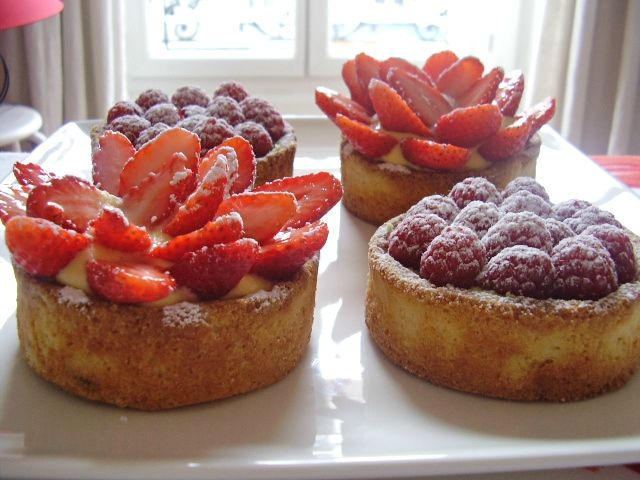 tartelettes pistache-framboises et passion-fraises 001