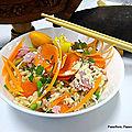 Riz cantonnais - légumes, omelette, jambon, pâte de curry et poudre de baobab.