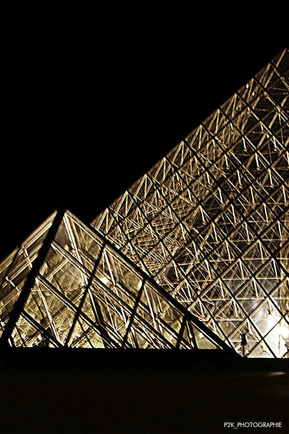 Louvre_by_night_002