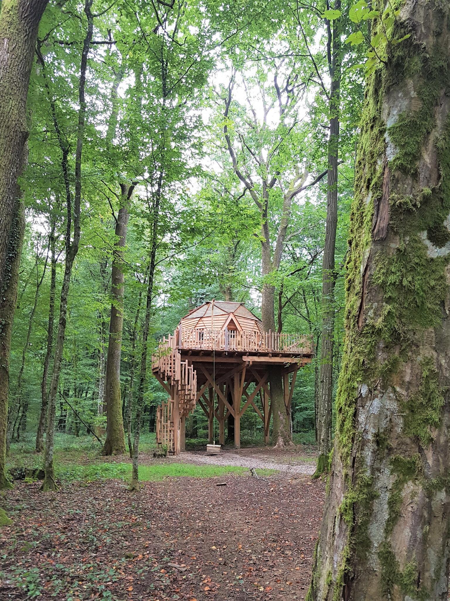Cabane Des Grands Reflets inoubliable week-end dans les cabanes du domaine coucoo