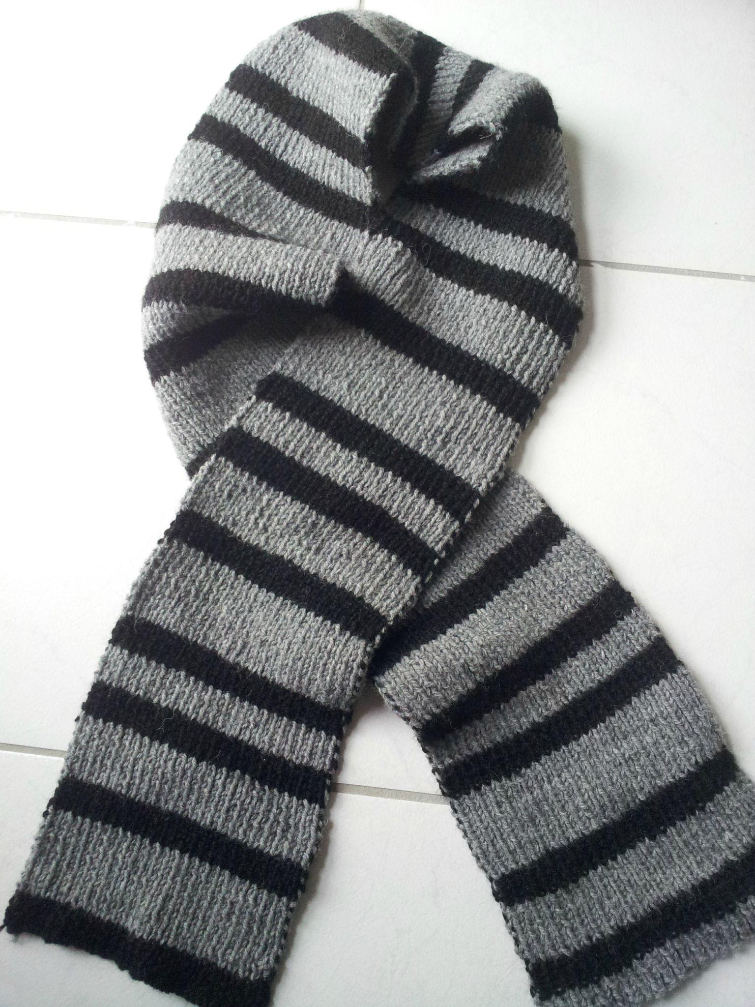 8019aa0047e écharpe rayée grise et noire - Layfan arts