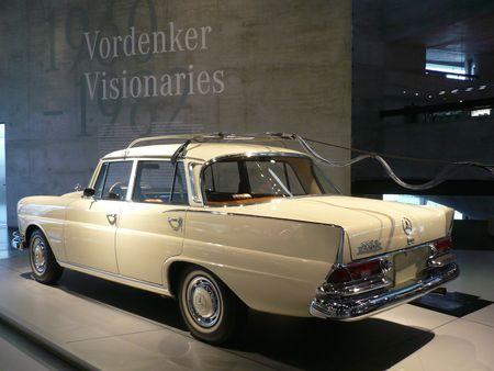 MERCEDES BENZ 220S W111 Automatic 1964 Stuttgart (2)