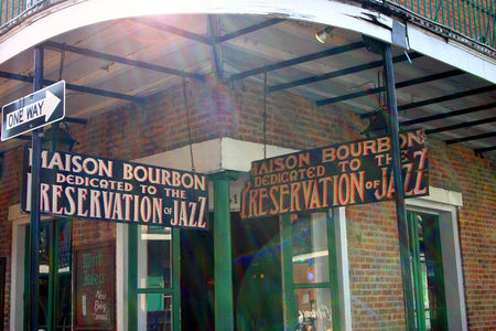 Louisiana_Bourbon_Street_17