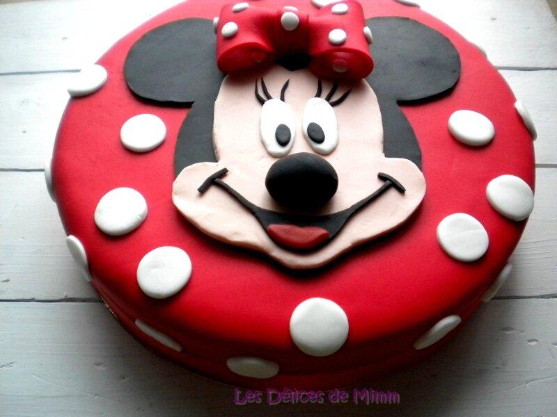 Encore un gâteau Minnie ! (pâte à sucre) 4