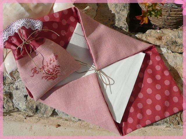 Porte serviettes et pochon de lavande pour Claire