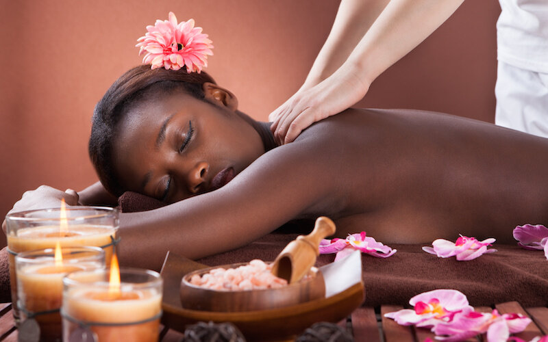 Black-woman-massage