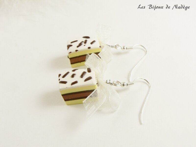 boucles d'oreille napolitain