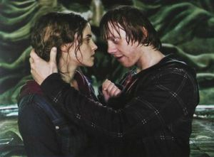 normal_RonHermione_kiss