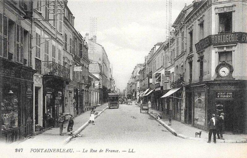 Fontainebleau, rue de France, cpa
