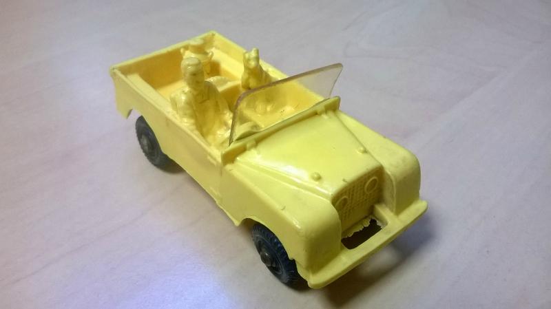 18_Land Rover_02
