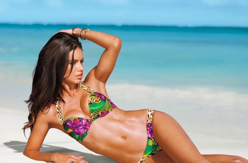 adriana-lima-height-weight-body-measurements-1