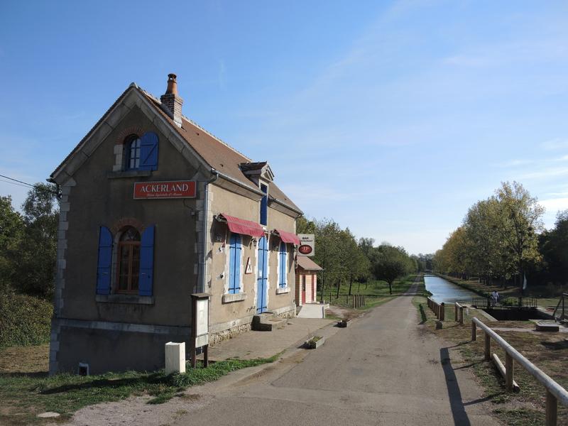Achun, bar de bord de canal (58)