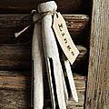 fagot d'anciennes pinces à linge à suspendre