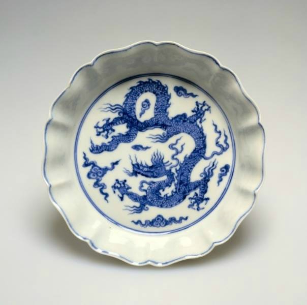 Brush Washer with Dragons, Xuande reign (1426-1435), Ming dynasty (1368-1644), China, Jiangxi province, Jingdezhen, porcelain with underglaze blue decoration