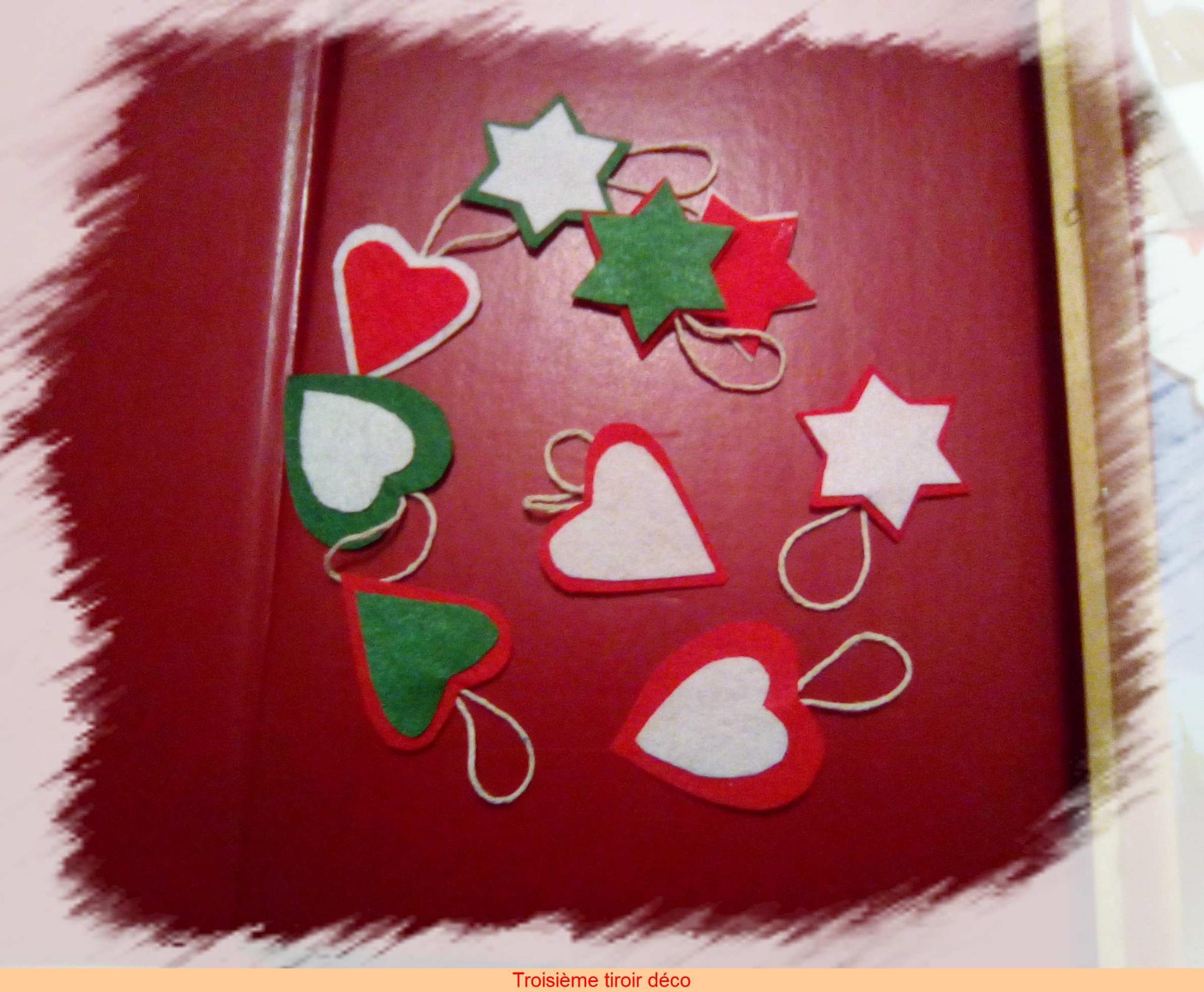 Fabriquer Deco Noel En Feutrine noël rétro 3: des décorations en feutrine, un mini sapin en