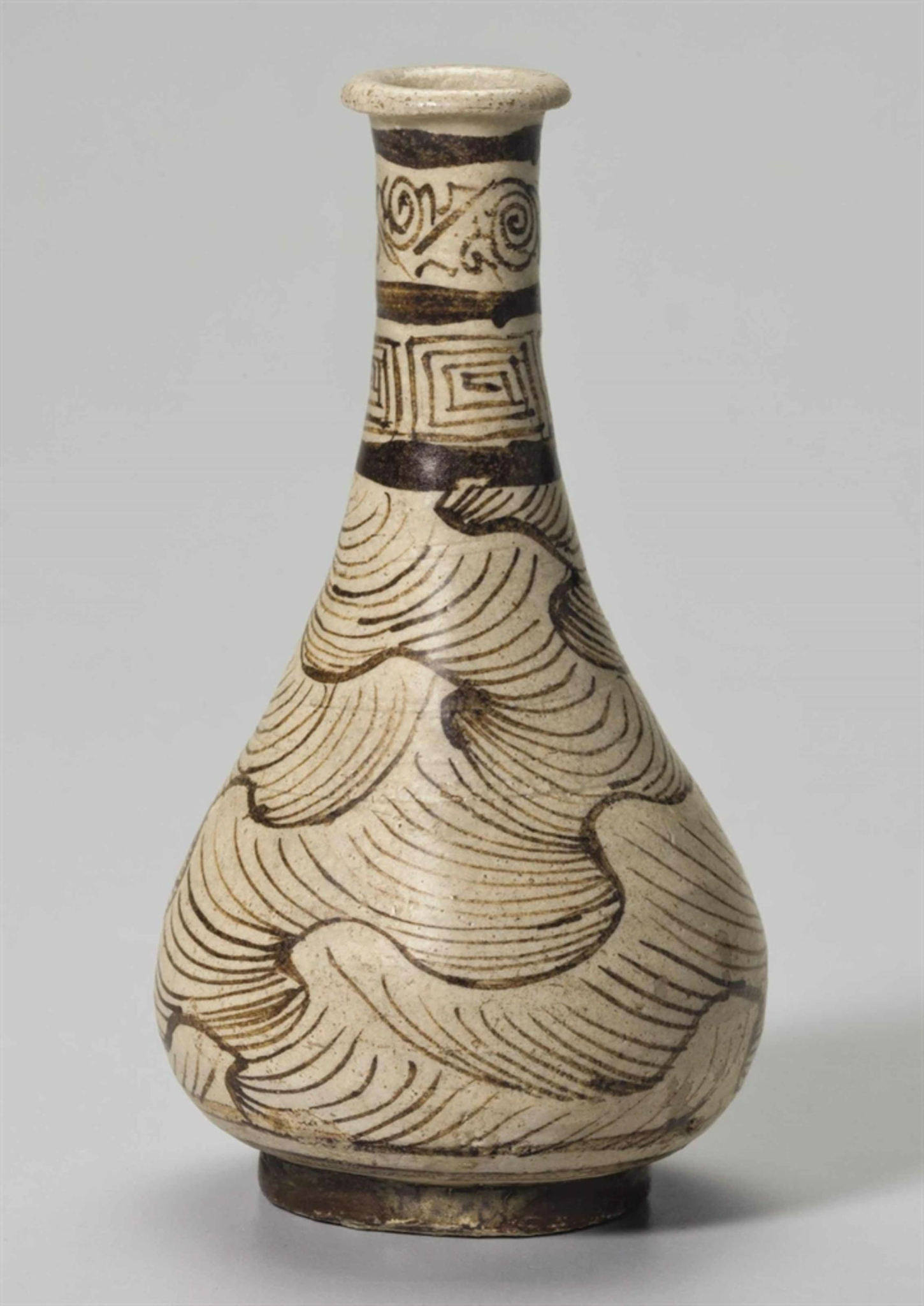 A rare small Jizhou painted stoneware pear-shaped vase, Southern Song-Yuan dynasty, 12th-14th century