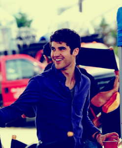 Hot-hot-hot-darren-criss-25223532-496-600