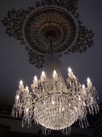 450px_Dublin_Castle_Drawing_Room_chandelier