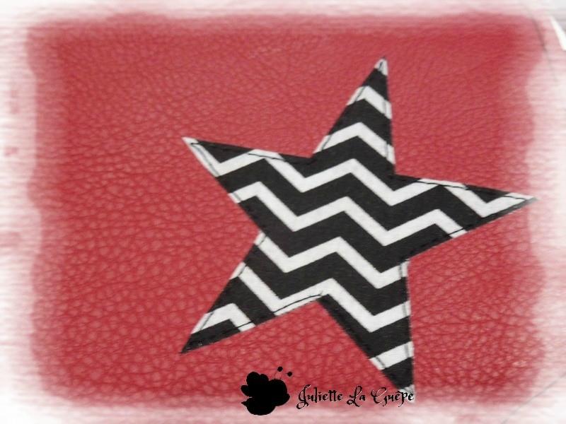 besace rouge étoile zig zag noir blanc 2