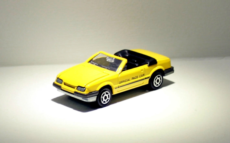 Ford mustang convertible (ref 227) Majorette 01