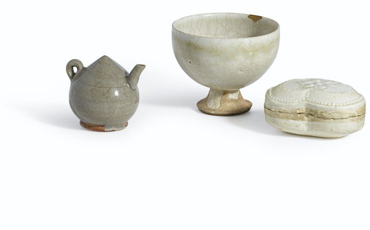 A__Longquan__celadon_lotus_bud_water_dropper__Song_Dynasty