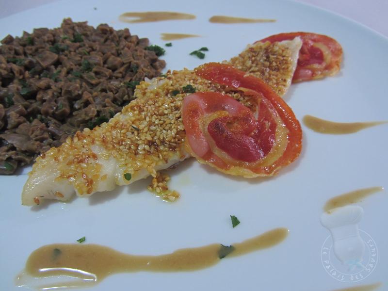 Merlan en croûte de sésame, pancetta séchée et crozets aux cèpes